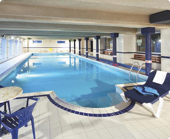Domaine-saint-jacques-alsace-piscine-interieur