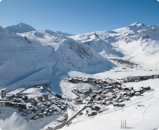 Tignes-val-isere-station-ski-residence-oree-lac-vue-vallee
